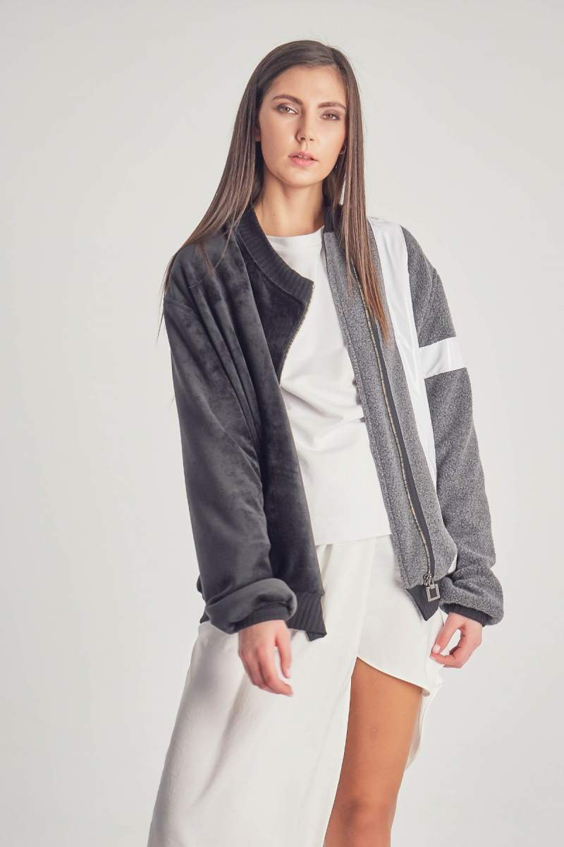 Jacheta Grey Amber